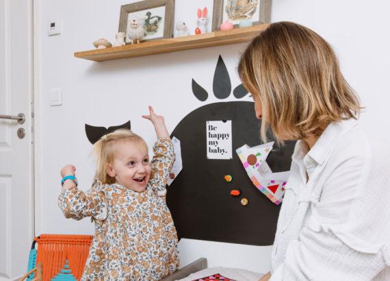décorer une chambre d'enfant avec un tableau magnétique